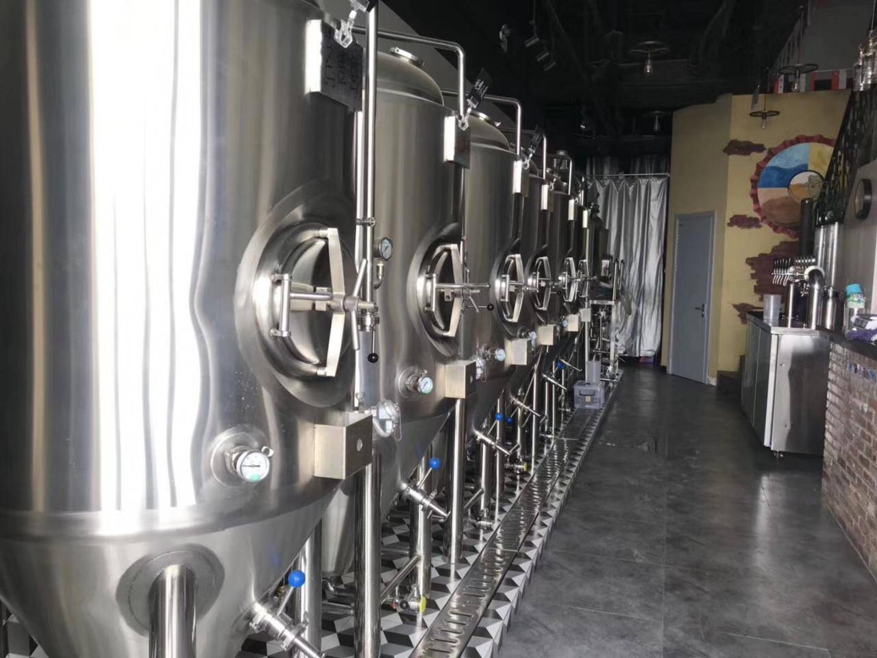 四川精酿啤酒设备多少钱-一台小型精酿啤酒设备要多少钱?-大麦丫-精酿啤酒连锁超市,工厂店平价酒吧免费加盟