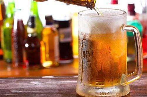 啤酒小生加盟-香港电视剧中的啤酒-大麦丫-精酿啤酒连锁超市,工厂店平价酒吧免费加盟
