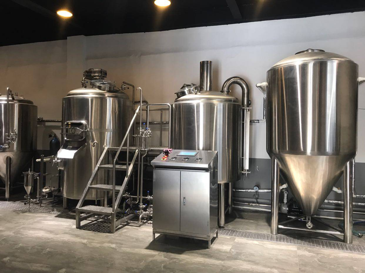 山东精酿啤酒设备生产-l 一套精酿啤酒设备的设备价格?-大麦丫-精酿啤酒连锁超市,工厂店平价酒吧免费加盟