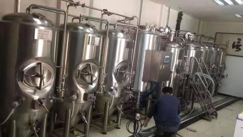浙江正规精酿啤酒设备多少钱-精酿啤酒设备需要多少钱?-大麦丫-精酿啤酒连锁超市,工厂店平价酒吧免费加盟