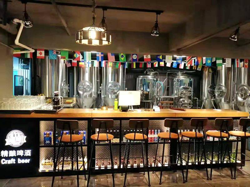 制造精酿啤酒设备多少钱-自酿精酿啤酒设备一套多少钱?-大麦丫-精酿啤酒连锁超市,工厂店平价酒吧免费加盟