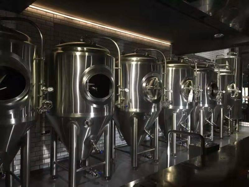 黄岛大型精酿啤酒设备价格-一套精酿啤酒设备多少钱?-大麦丫-精酿啤酒连锁超市,工厂店平价酒吧免费加盟