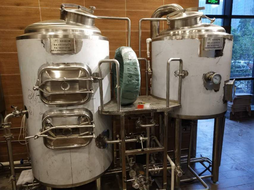 金昌精酿啤酒设备厂家-一套精酿啤酒设备多少钱?-大麦丫-精酿啤酒连锁超市,工厂店平价酒吧免费加盟