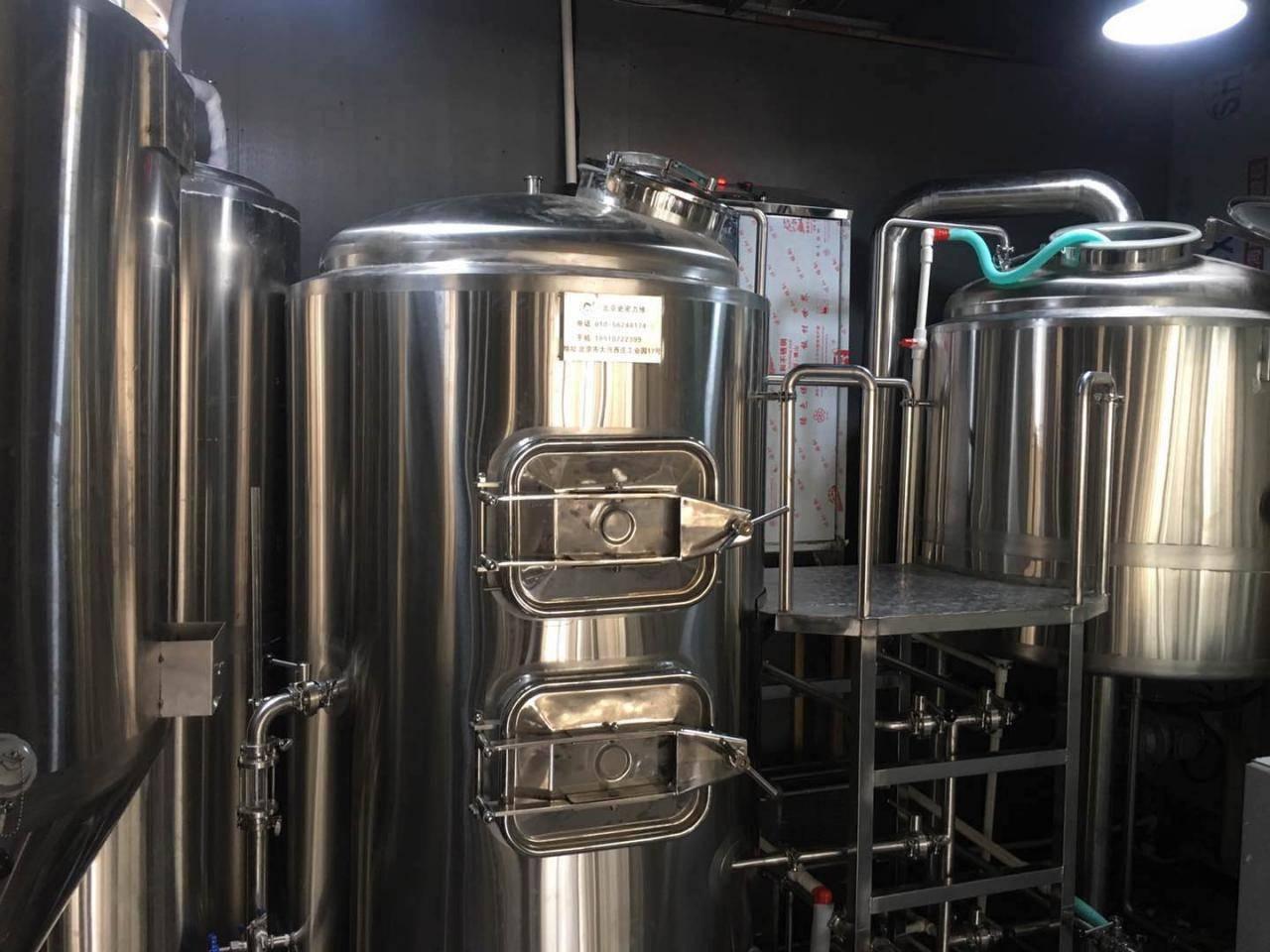 北京精酿啤酒设备厂商-酿造啤酒设备哪个厂家比较好?-大麦丫-精酿啤酒连锁超市,工厂店平价酒吧免费加盟