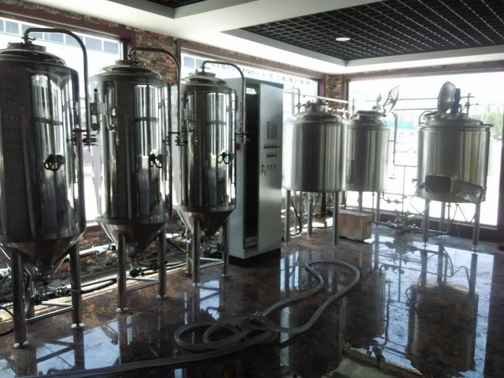 日照500l精酿啤酒设备-麦德森精酿啤酒设备多少钱-大麦丫-精酿啤酒连锁超市,工厂店平价酒吧免费加盟