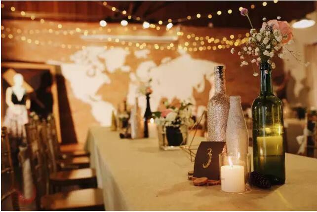 婚宴上红酒放多少钱左右的-婚宴用的红酒多少钱,顺便推荐一下-大麦丫-精酿啤酒连锁超市,工厂店平价酒吧免费加盟