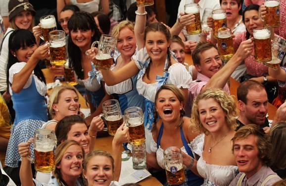慕尼黑啤酒节价格-请问大家:为什么九月的啤酒节是九月?-大麦丫-精酿啤酒连锁超市,工厂店平价酒吧免费加盟