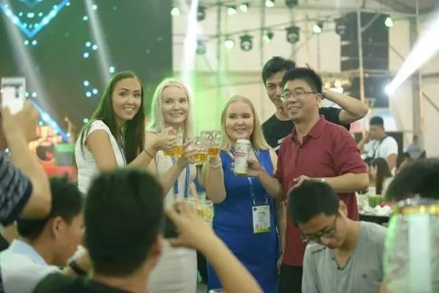 精酿啤酒品牌啤酒节青岛-青岛啤酒节,有什么酒-大麦丫-精酿啤酒连锁超市,工厂店平价酒吧免费加盟