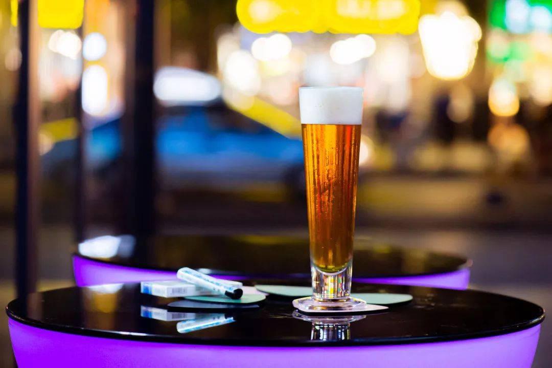 酒吧精酿啤酒什么价格-精酿啤酒贵吗?-大麦丫-精酿啤酒连锁超市,工厂店平价酒吧免费加盟