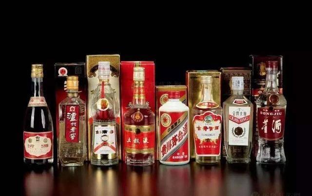 中国白酒商标查询-酒类销售属于哪类商标?-大麦丫-精酿啤酒连锁超市,工厂店平价酒吧免费加盟