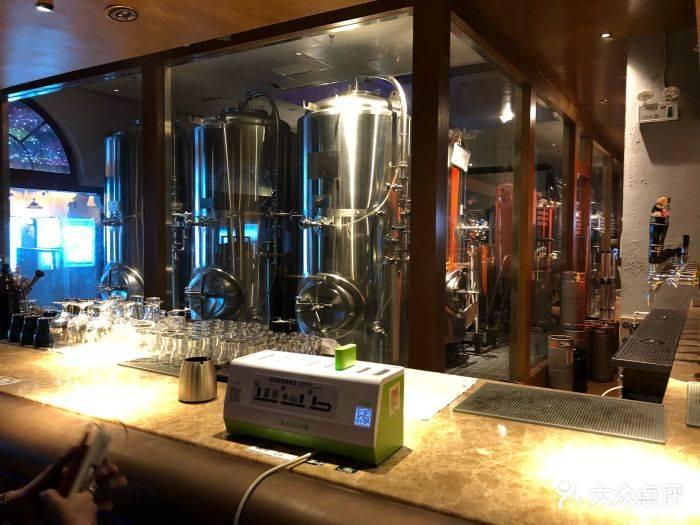 青岛精酿啤酒设备展承接方-精酿啤酒馆设备投资多少钱?-大麦丫-精酿啤酒连锁超市,工厂店平价酒吧免费加盟