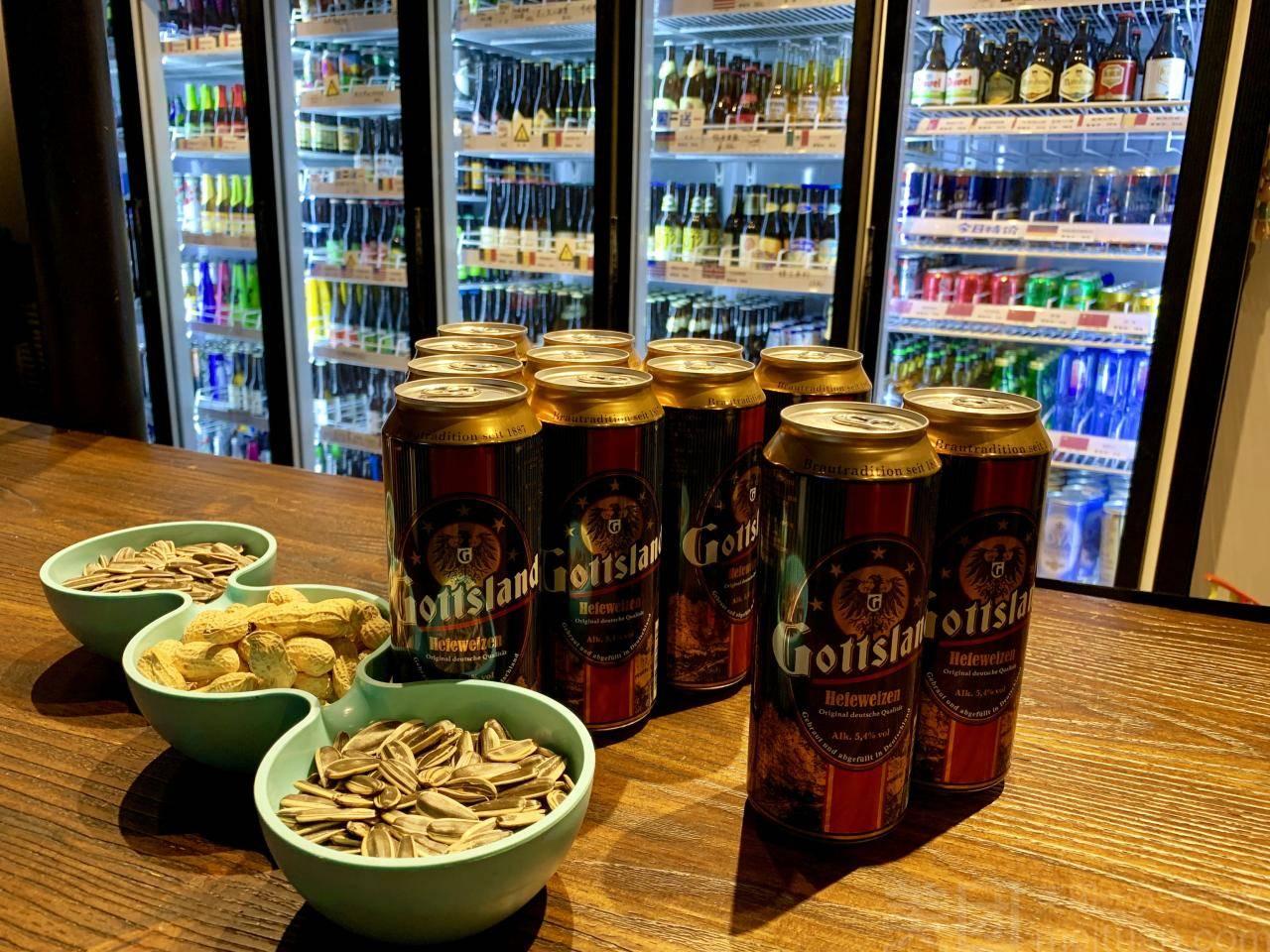 精酿啤酒吧投资要多少-精酿啤酒(啤酒屋)需要投资多少?-大麦丫-精酿啤酒连锁超市,工厂店平价酒吧免费加盟