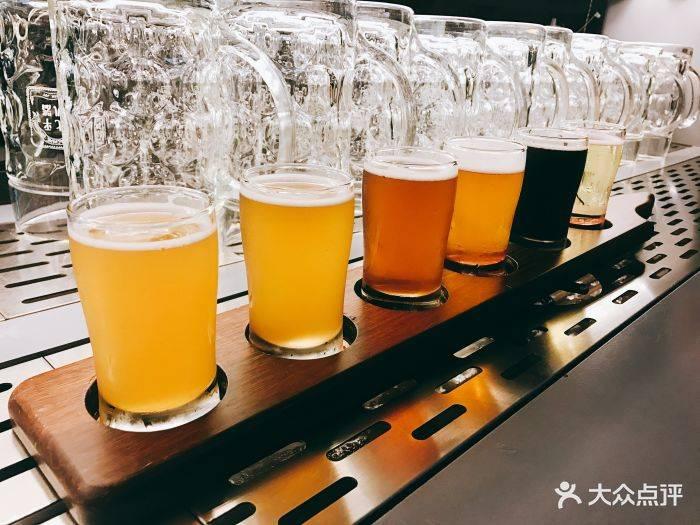 精酿鲜啤加盟多少钱-麦8度精酿啤酒加盟-需要多少钱?-大麦丫-精酿啤酒连锁超市,工厂店平价酒吧免费加盟