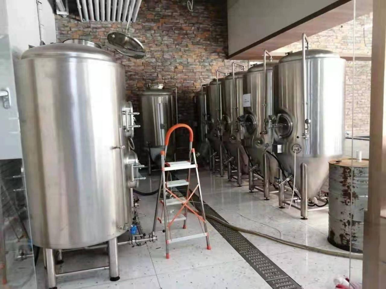 自酿鲜啤酒设备-一台小型的鲜啤酒酿造机多少钱-大麦丫-精酿啤酒连锁超市,工厂店平价酒吧免费加盟