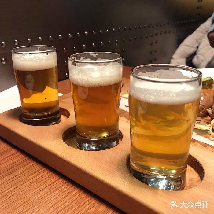精酿鲜啤酒文化-厂家酿造的精酿啤酒和生啤酒有什么区别?-大麦丫-精酿啤酒连锁超市,工厂店平价酒吧免费加盟